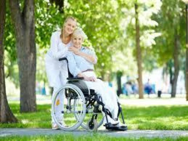 Se buscan auxiliares de enfermería para importante franquicia de Residencias de Ancianos